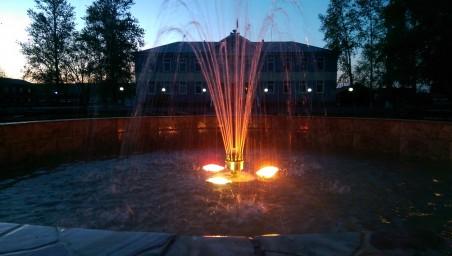Вечерний фонтан