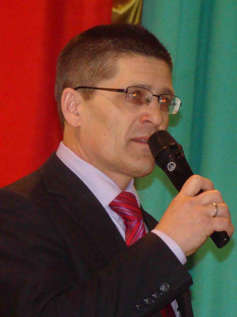 руководитель отдела молодежной политики райадминистрации П.Н. Кожевников