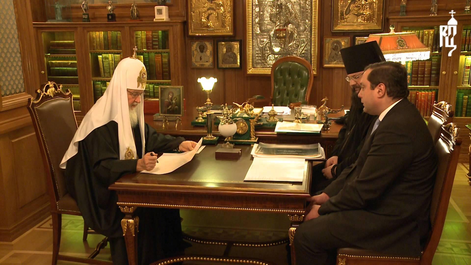 Патриарх Кирилл встретился с губернатором Смоленской области А.В. Островским